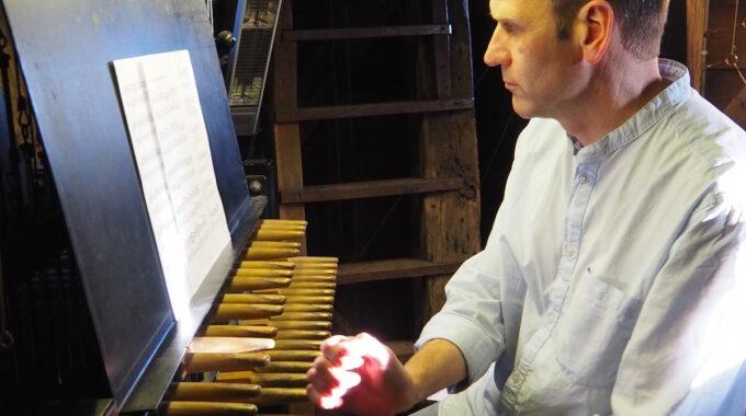 beiaardier carillon alkmaar klokken toren waagtoren spelen christiaan winter stadsbeiaardier