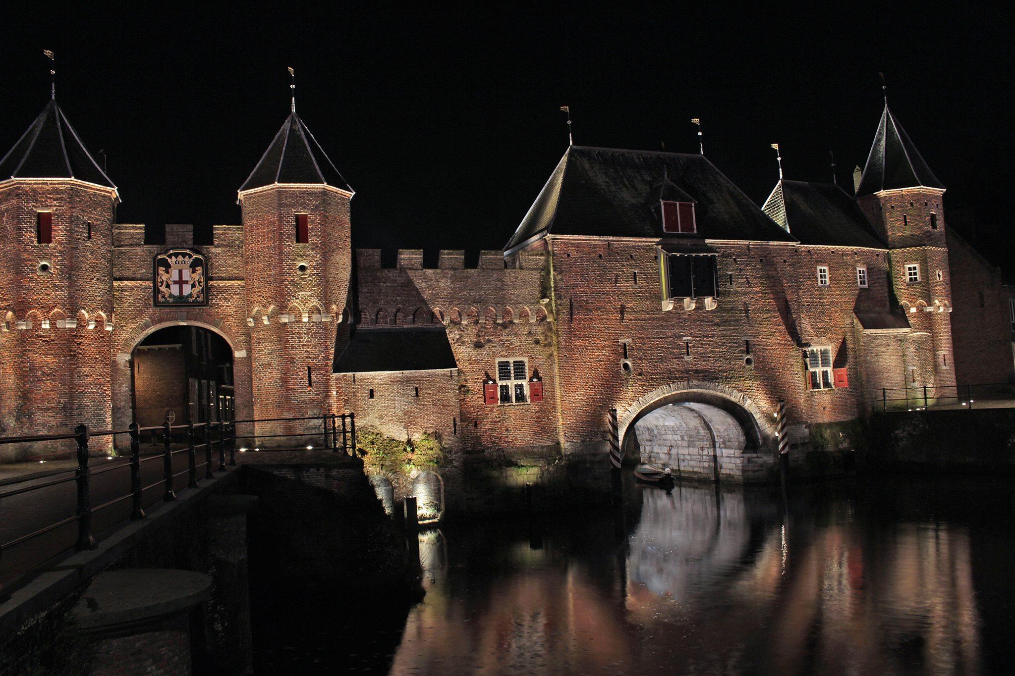 Foto's van Amersfoort in het donker