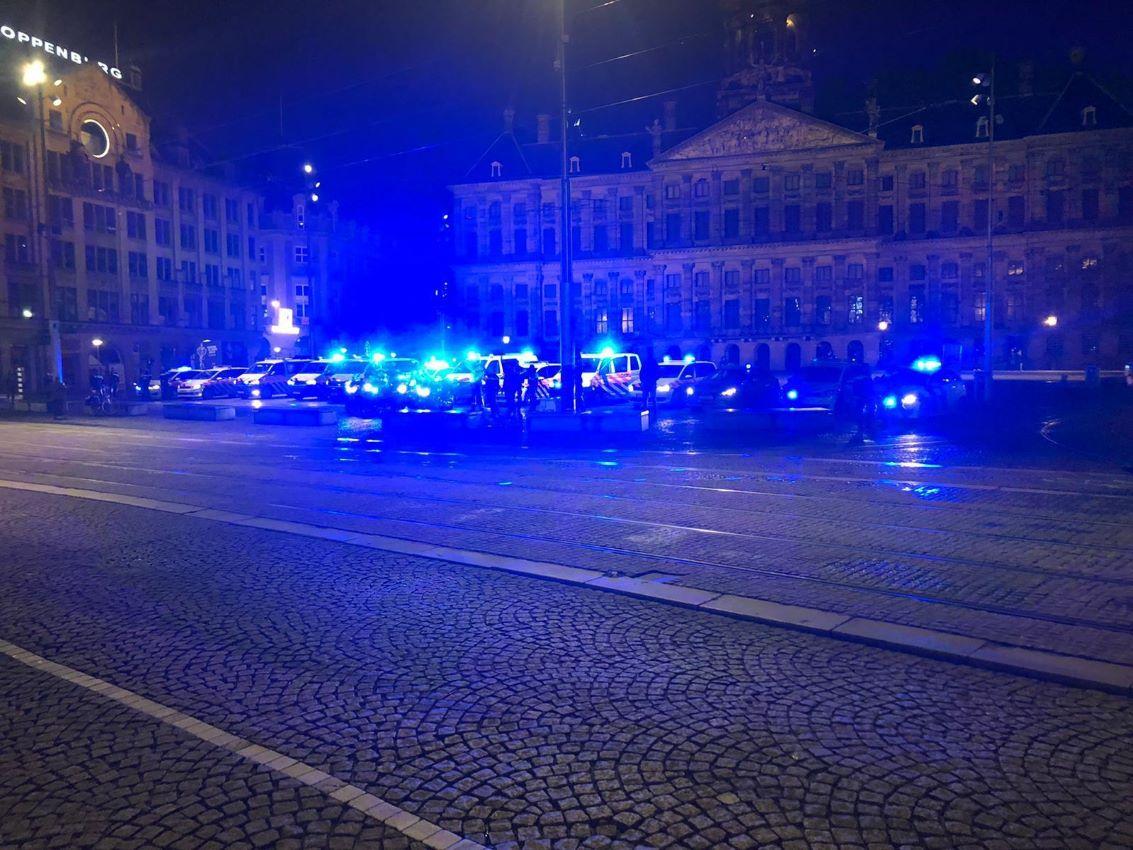 blauwe lichten politie Dam