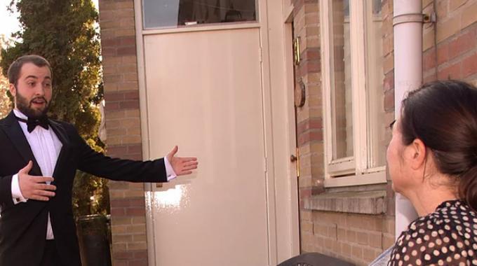 Aria's aan de deur