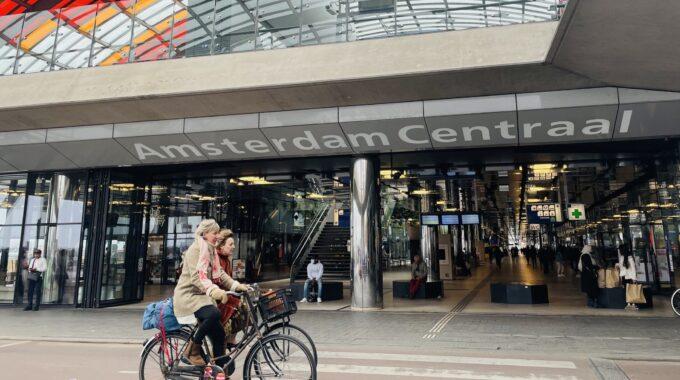 Vacatures straatbeeld Amsterdam Centraal