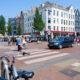 eerste van swindenstraat dapperbuurt amsterdam oost fietsen auto voetganger zebrapad kruispunt dappermarkt