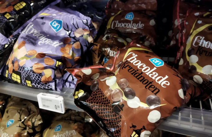 pepernoten schappen supermarkten amsterdam