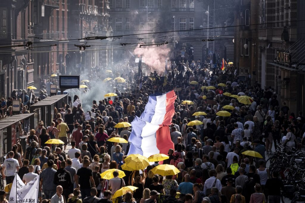 Demonstratie Amsterdam 'Samen voor Nederland' tegen coronabeleid 5 September 2021