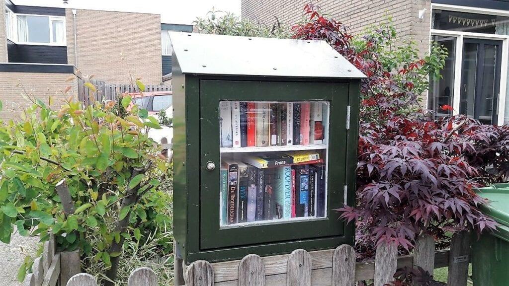 Boekenkast op straat Apeldoorn