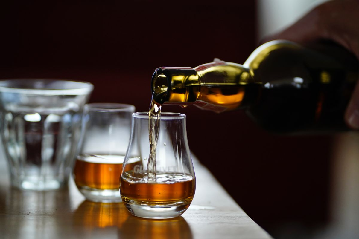 Whiskyproeverij Slijterij René