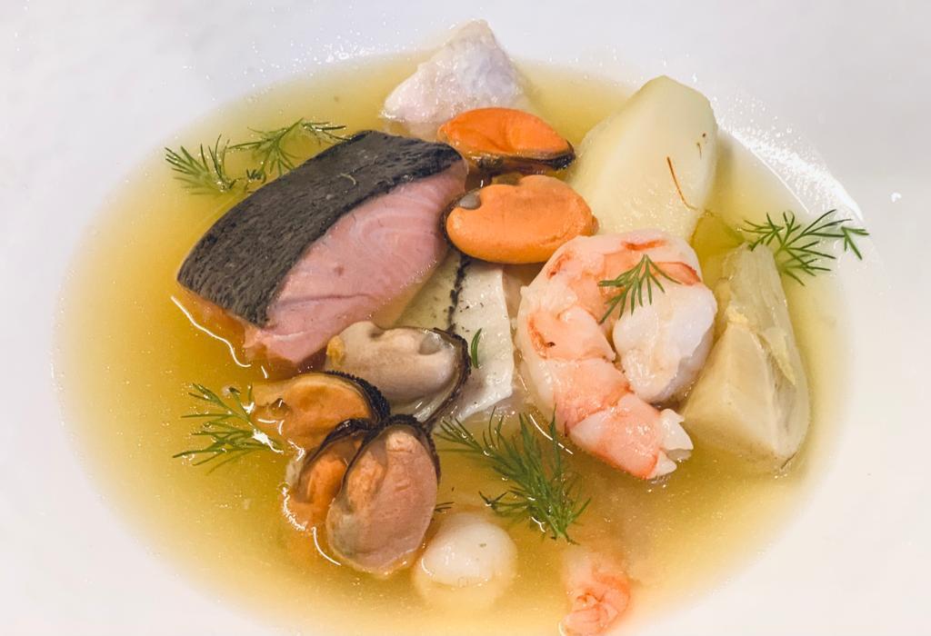 Er staat ook een verrukkelijke bouillabaisse op het menu.