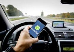 mobiel achter stuur boete