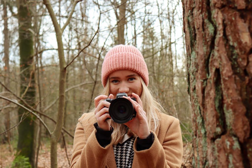 Christa met camera