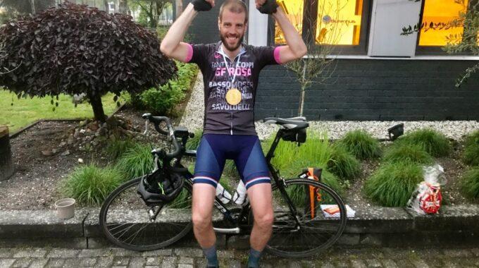robbie fietst 300 km