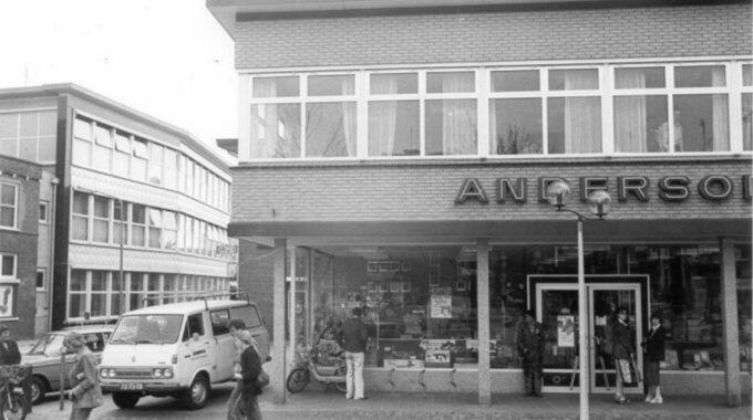 Anderson IJzerwaren op de hoek van de Marktstraat.1980-1985