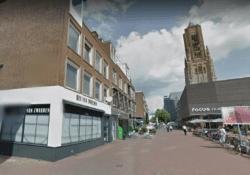 Het oude pand van Hes van Zweeden wordt nu verbouwd. Foto: Google