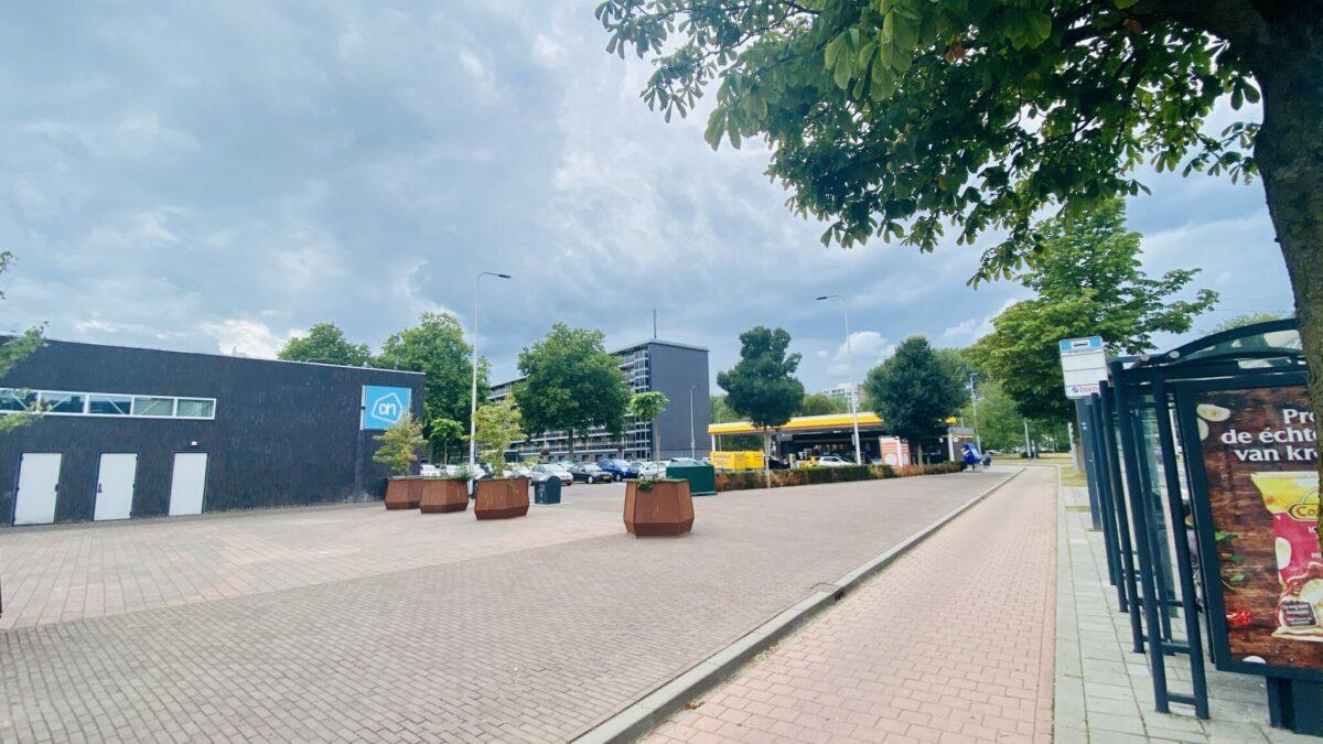 Winkelcentrum de Drieslag is met het ov én de auto prima bereikbaar!