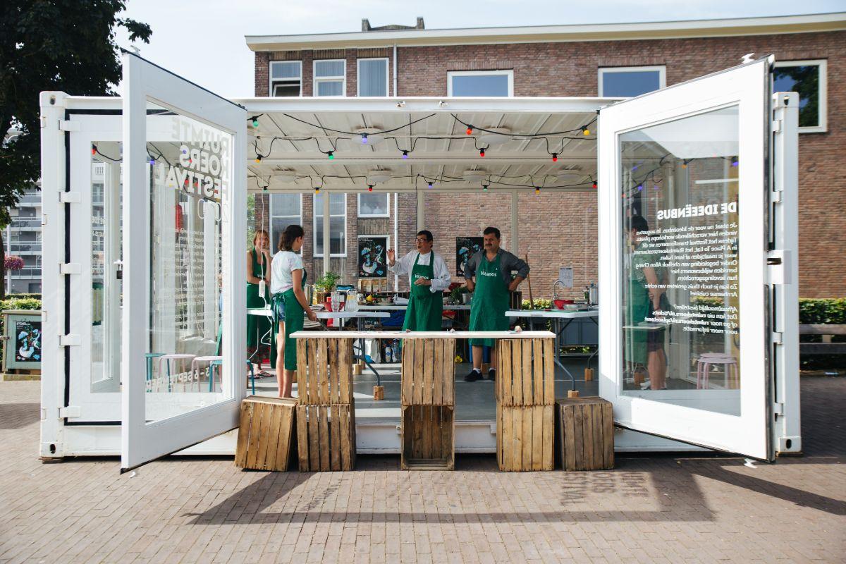 Ruimtekoers festival is geland bij winkelcentrum de Drieslag.