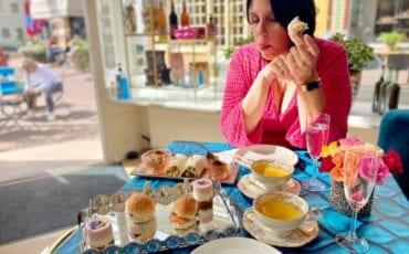 Indebuurt Arnhem op aan de high tea