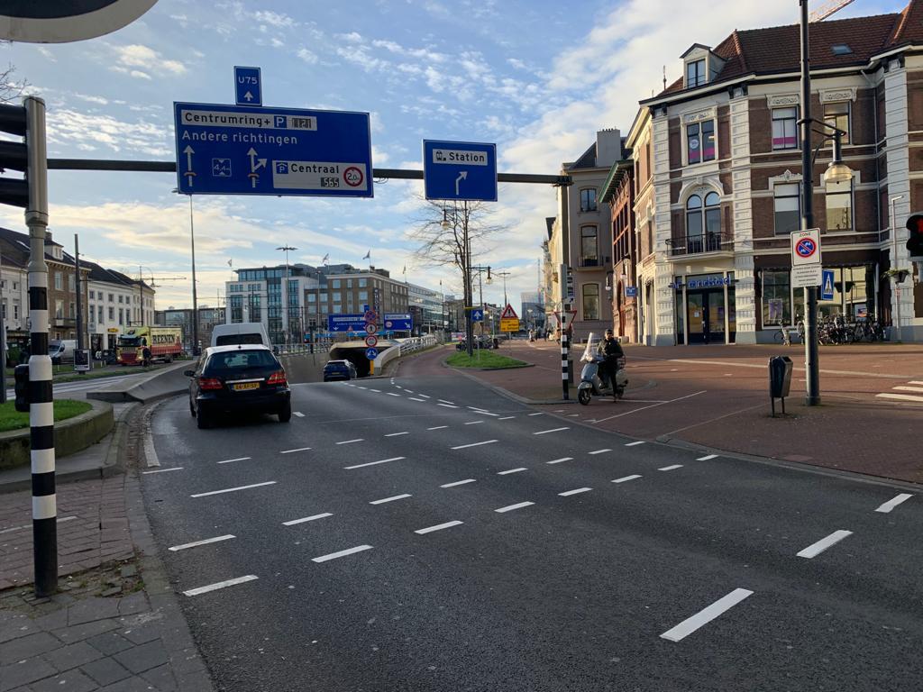 Druk kruispunt Willemstunnel