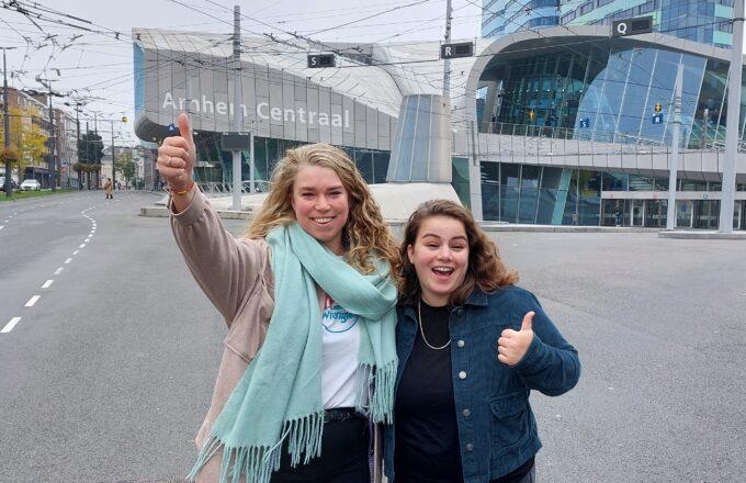Dionne en Dilara team indebuurt Arnhem