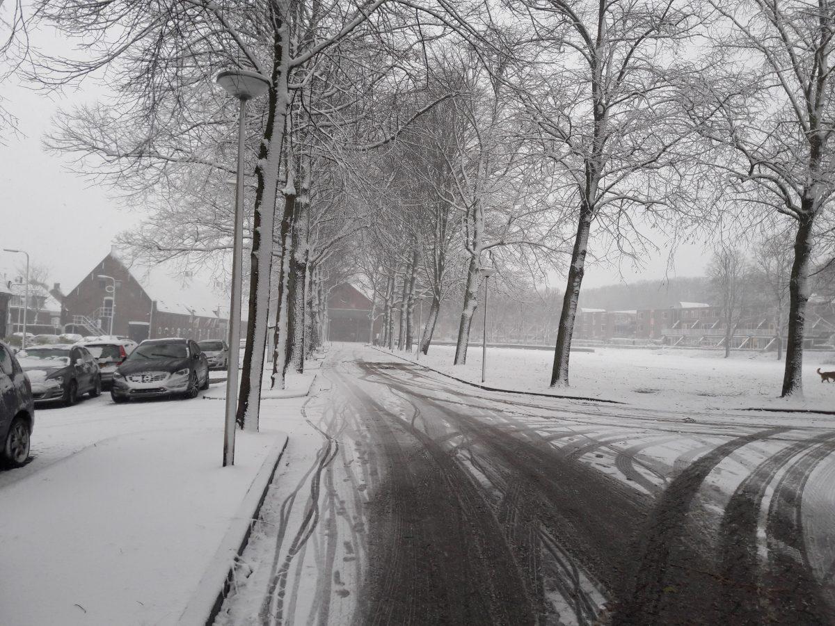 sneeuw gladheid gestrooid glad