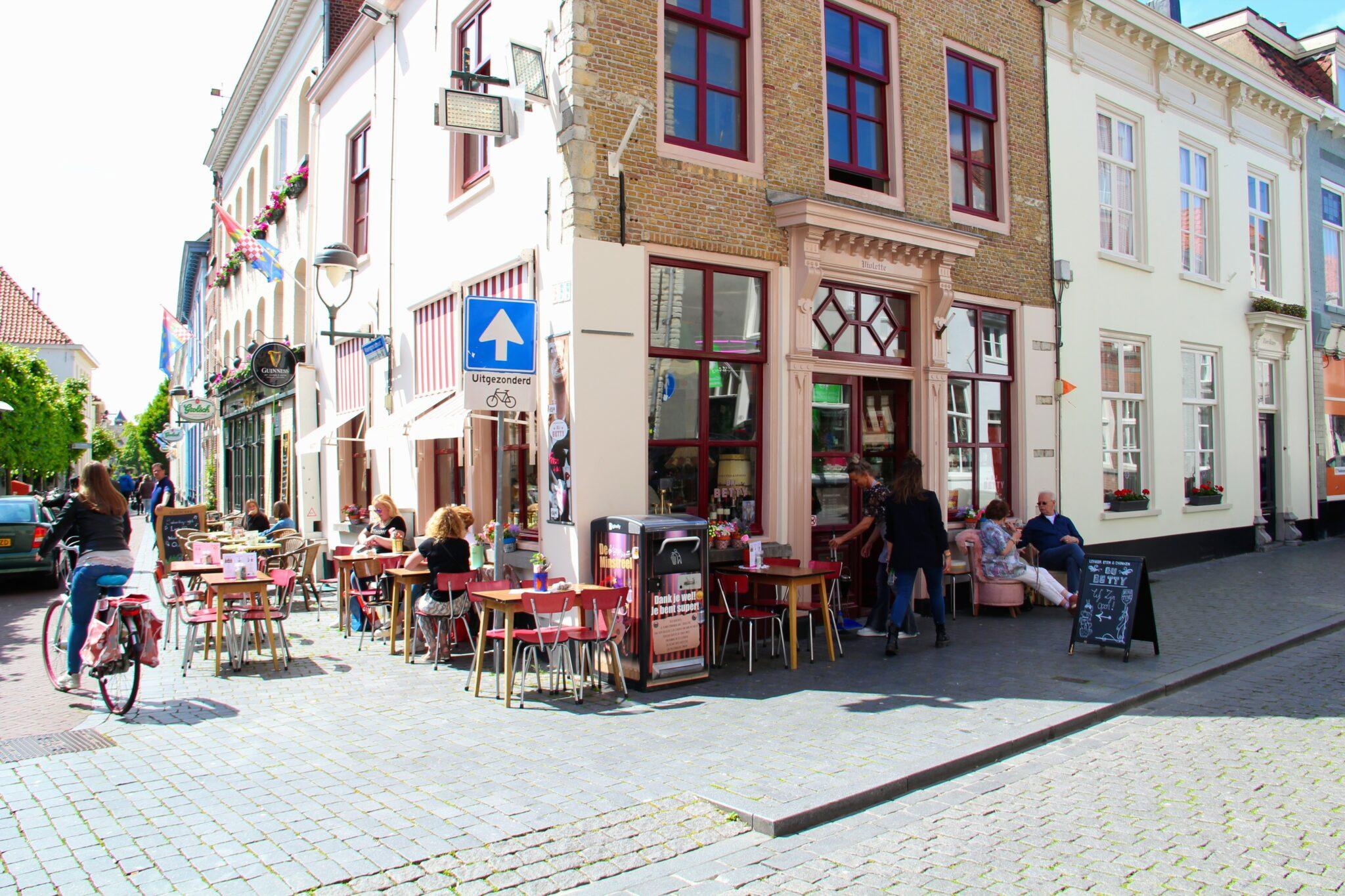 nieuw italiaanse restaurant bergen op zoom Bij Betty - Beursplein - Steenbergsestraat