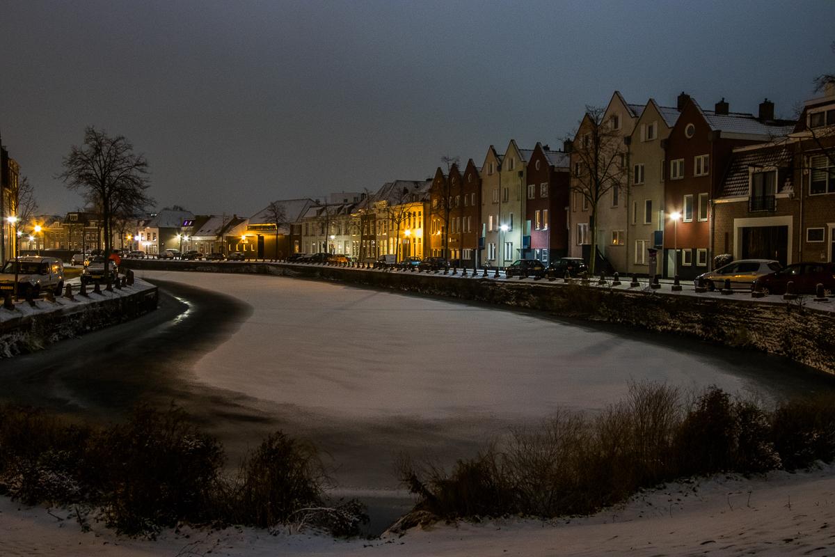 sneeuw avond kaai