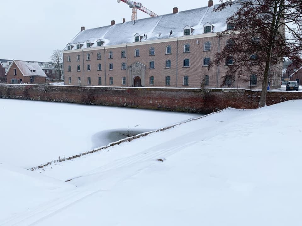 sneeuw sneeuw Bergen op Zoom