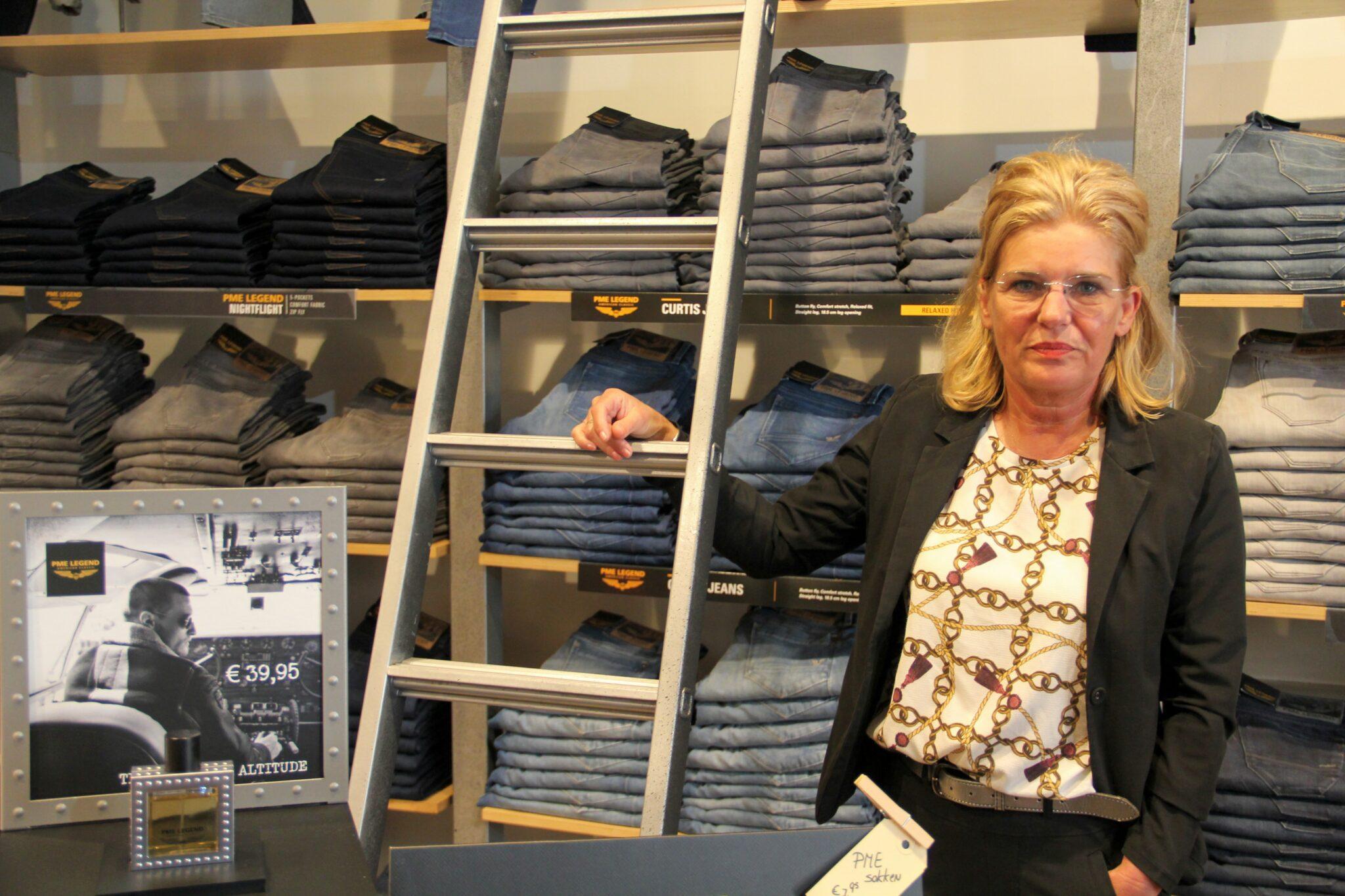 Karin - Peoples - kledingzaak -vierkantje -mode - kleding
