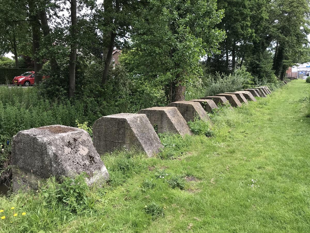 oorlog bergen op zoom Anti-tankblokken - betonnen blokken - tweede wereldoorlog - anton van duinkerkenpark