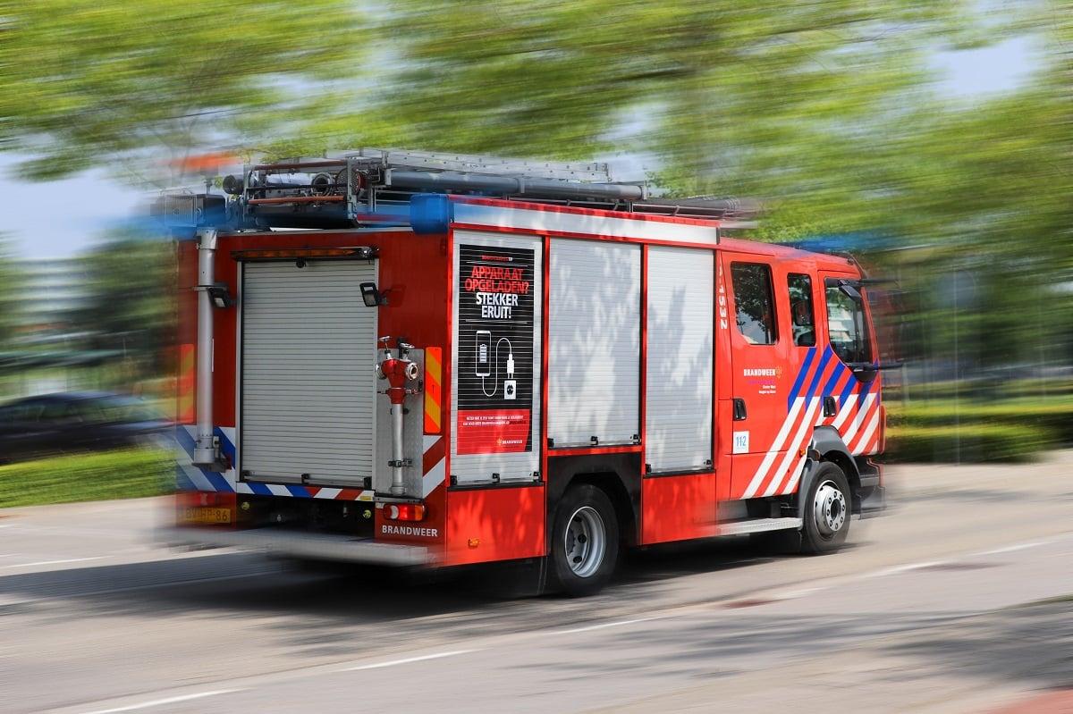 brandweer bergen op zoom Brandweerwagen brandweerauto spoed sirene woningbrand bergen op zoom