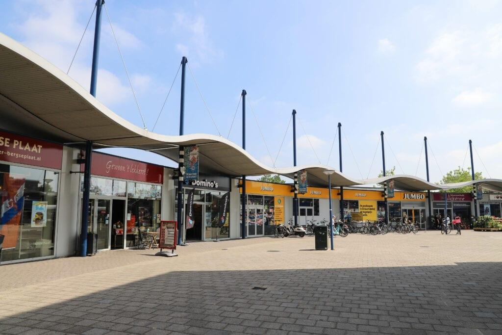 Openingstijden supermarkten Koningsdag Bergen op Zoom zak plastic afval plaat bergse plaat het kompas
