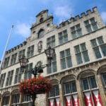 Bergen op Zoom geldproblemen trouwambtenaar trouwen bergen op zoom stadhuis september bergen op zoom