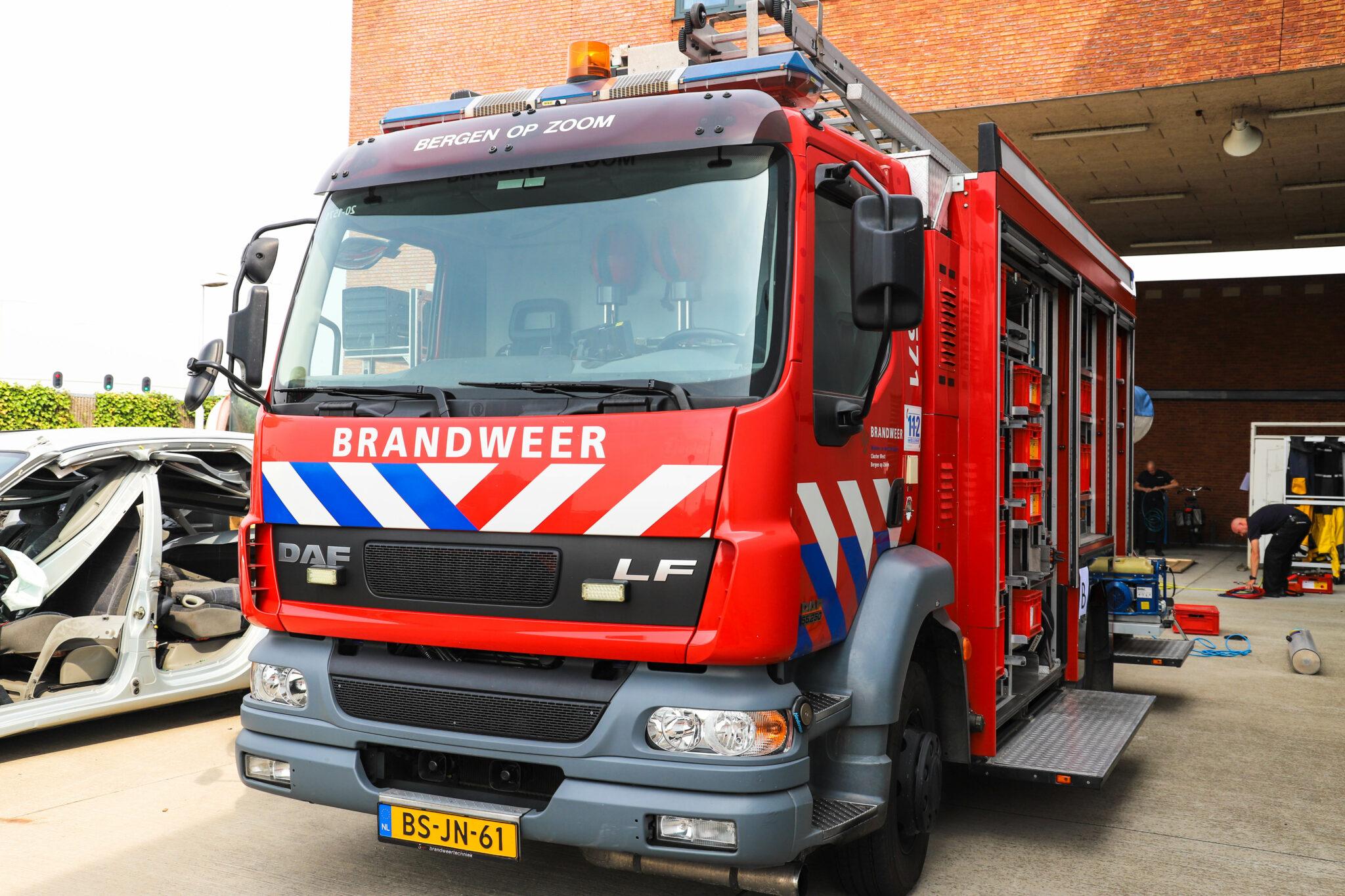 telefoonnummer brandweer Veiligheidsregio Midden- en West-Brabant Brandweer brandweerwagen vuur brand bergen op zoom