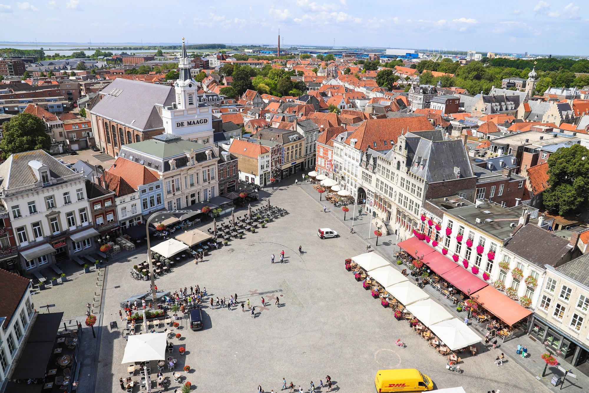 uitzicht peperbus bersge ondernemers centrum Peperbus grote markt overzicht maagd terras uitzicht monumenten spirtus markiezenhof