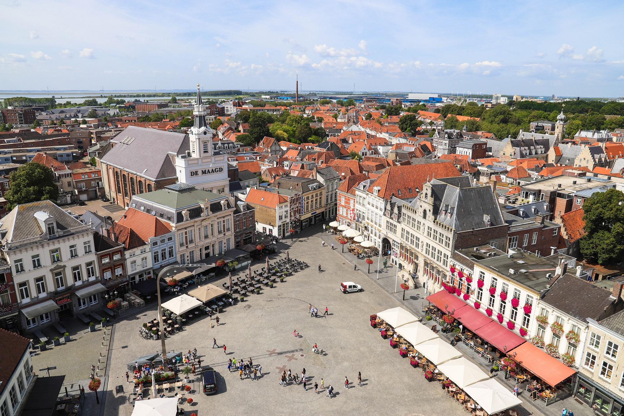 beste ondernemer bergen op zoom veiligheidsregio west-brabant centrum Peperbus grote markt overzicht maagd terras uitzicht monumenten spirtus markiezenhof
