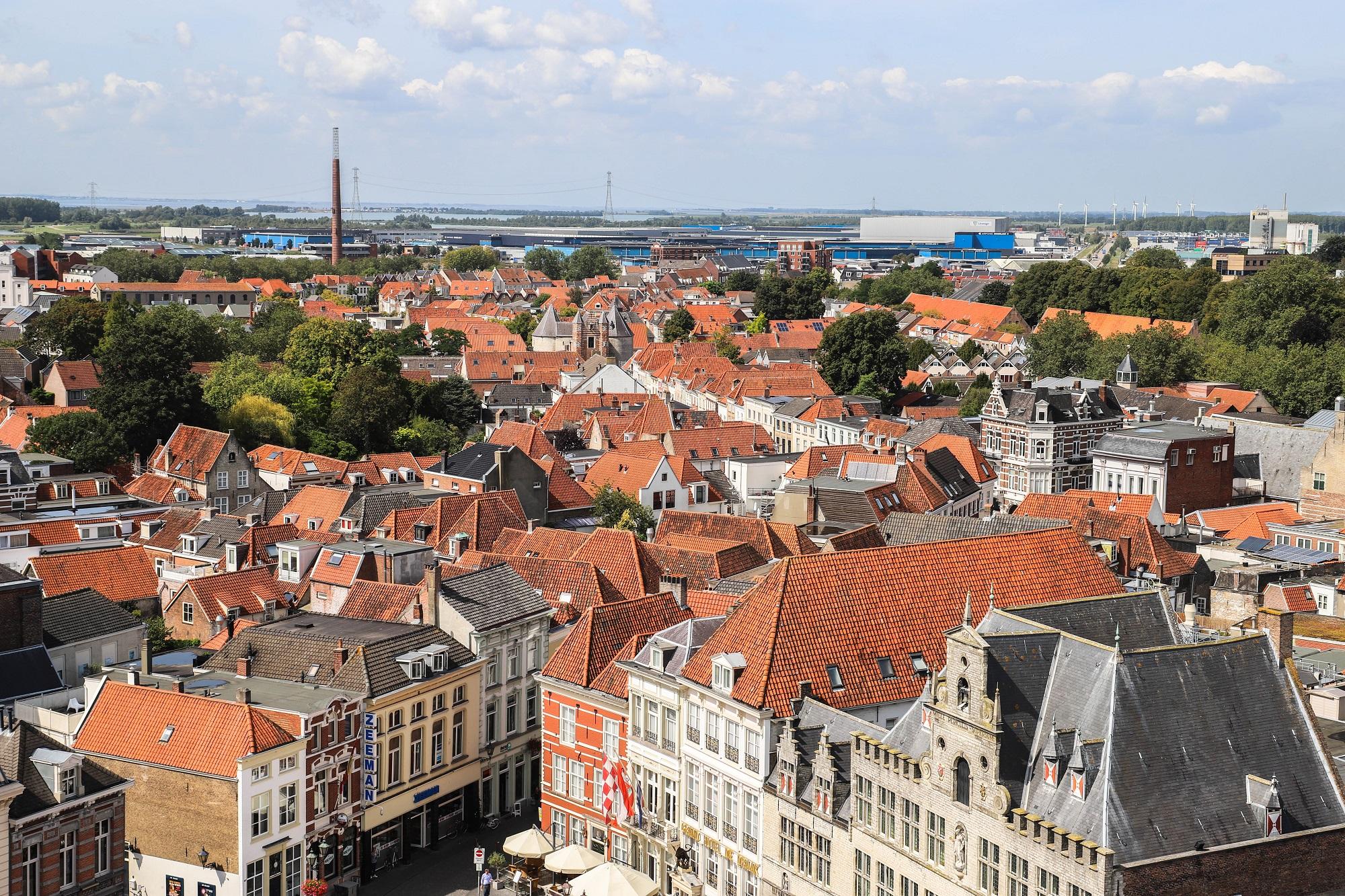 uitzicht peperbus postcodes bergen op zoom centrum Peperbus grote markt overzicht terras uitzicht monumenten spirtus markiezenhof