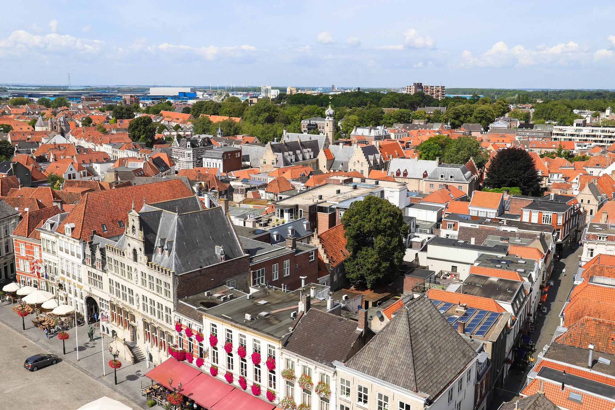 uitzicht peperbus markiezenhof stadhuis