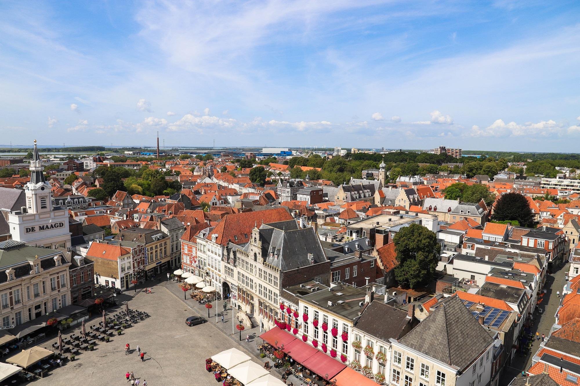 Brabantse gemeenten pleegouderschap uitzicht peperbus markiezenhof stadhuis maagd