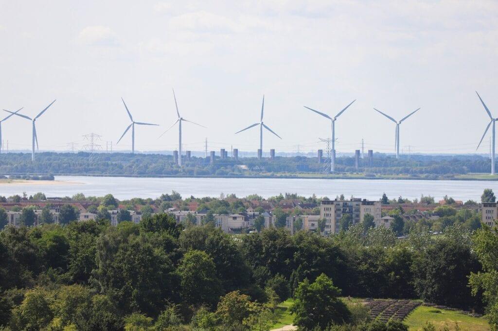 uitzicht peperbus windmolens kreekraksluizen sluis markiezaatsmeer plaat