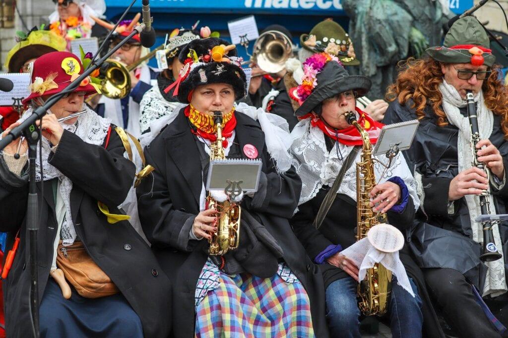 vastenavendliedjes spotify kindervastenavend 2020 muziek band dweilband dweilbend muzikanten saxofoon klarinet dwarsfluit