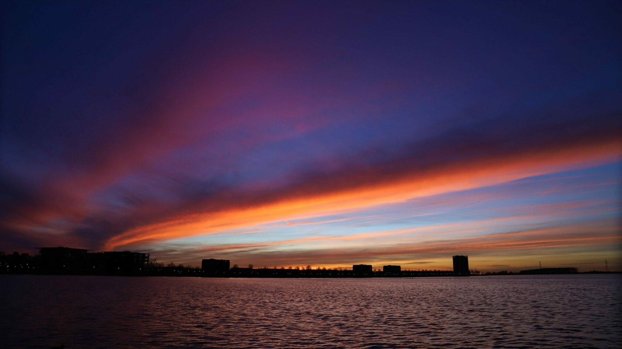 mooi lucht roze lucht rode lucht binnenschelde zonsopkomst zonsondergang natuur water meer flat