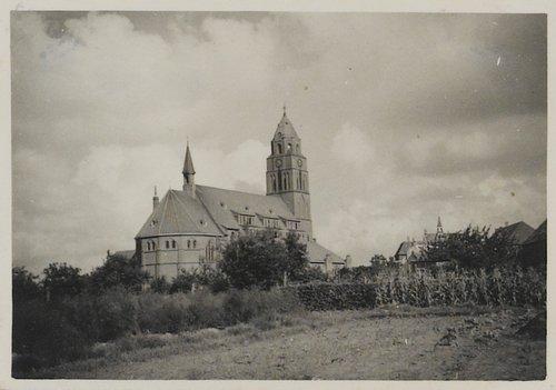 Rembrandtstraat; kerk van de H. Antonius Abt tweede wereldoorlog bergen op zoom kerk borgvliet