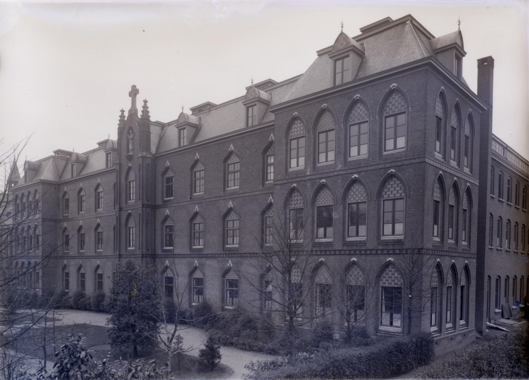 Antwerpsestraatweg juvenaat klooster