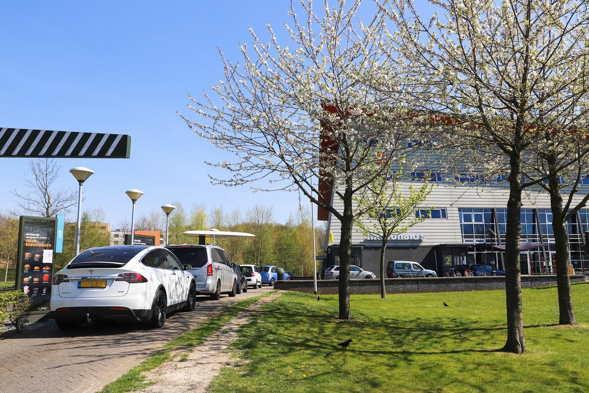 mc donald's mac donalds mcdrive boulevard fastfood bergse plaat