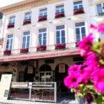 bestellen afhalen bergen op zoom bergse terassen bourgondier bourgondiër grote markt horeca terras terrasje stadhuis drinken eten restaurant grandcafé café