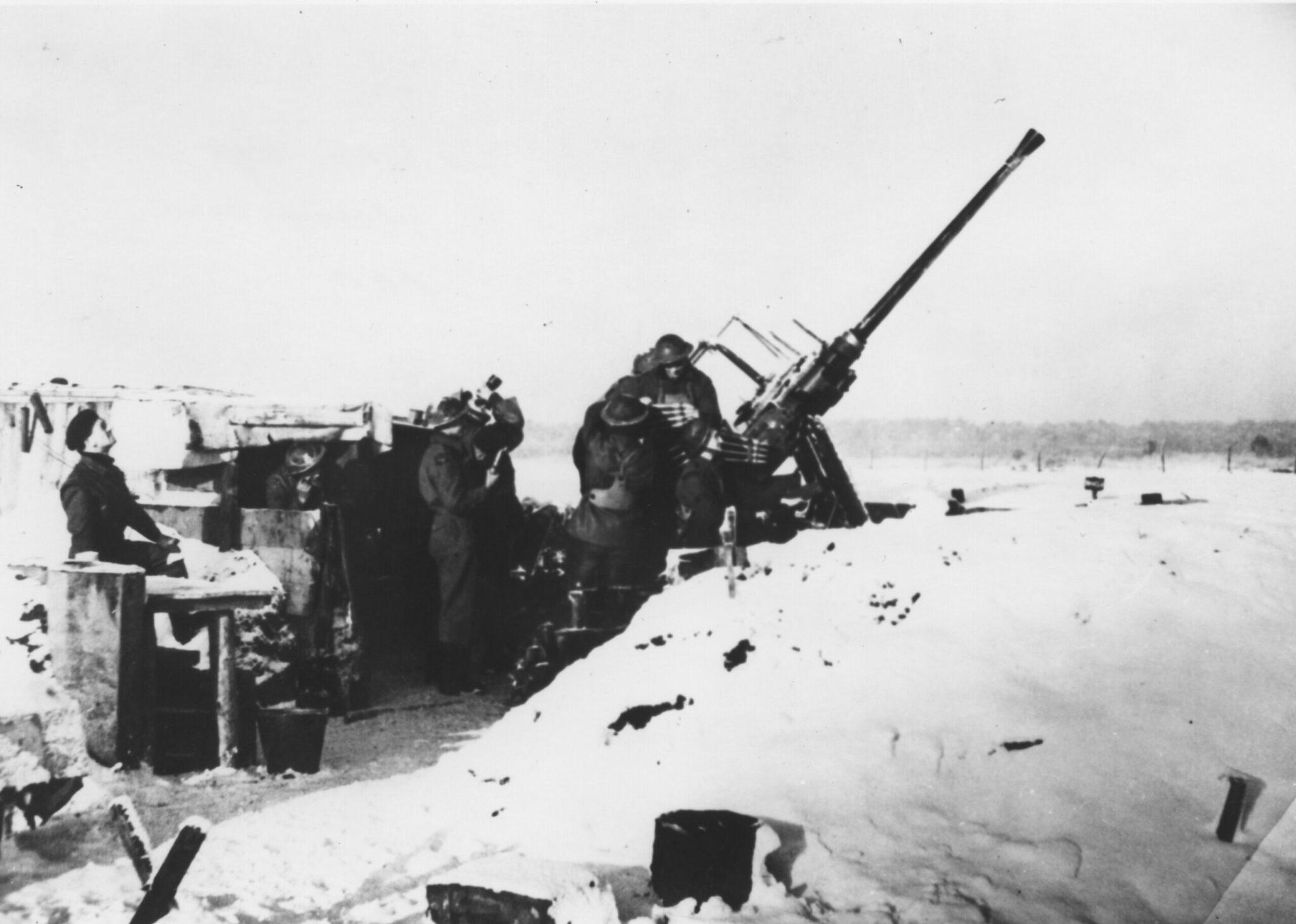 slag om woensdrecht afweergeschut Britse militairen kanon woensdrecht