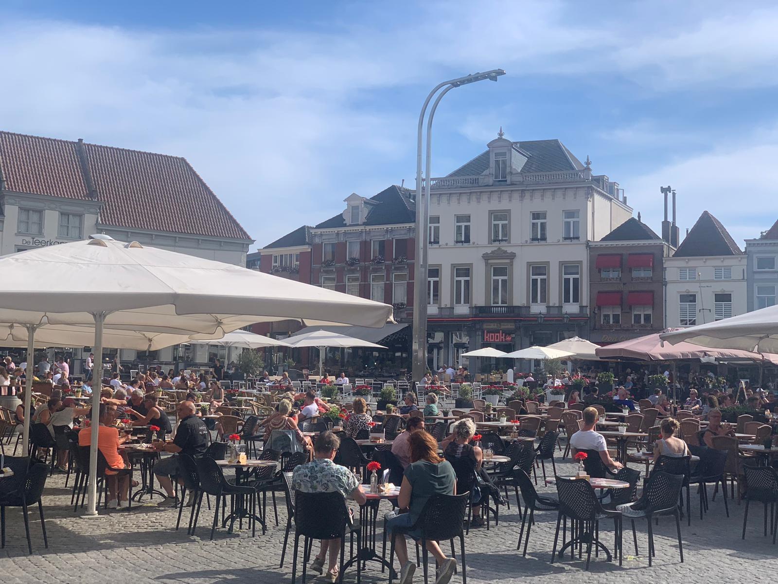 grote markt terras horeca drinken