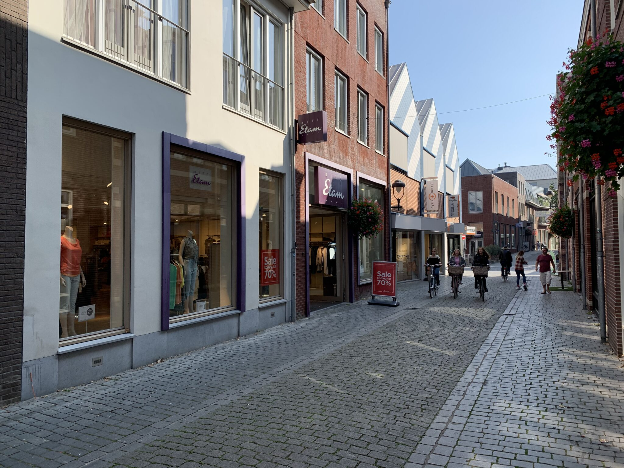 Miss Etam Bergen Op Zoom Lombardenstraat winkelen parade shop shoppen winkels centrum binnenstad