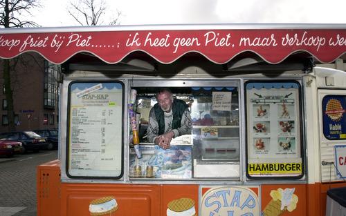 Bergen op Zoom: Frietboer op het Sint Jozefplein (bij de voor)