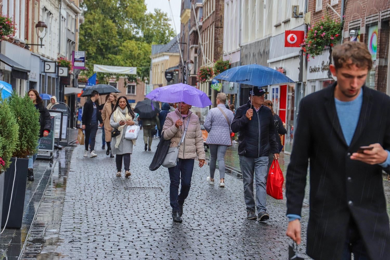regen slecht weer stad winkelen