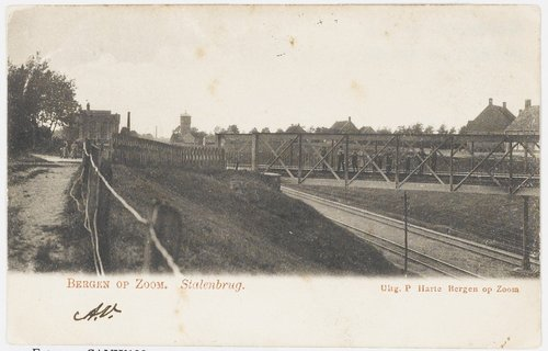 BOZ001014Bergen op Zoom: Antwerpsestraatweg (Stalenbrug); het viaduct over de spoorlijn Bergen op Zoom - Vlissingen, gezien in noordelijke richting. 1900 1905 903
