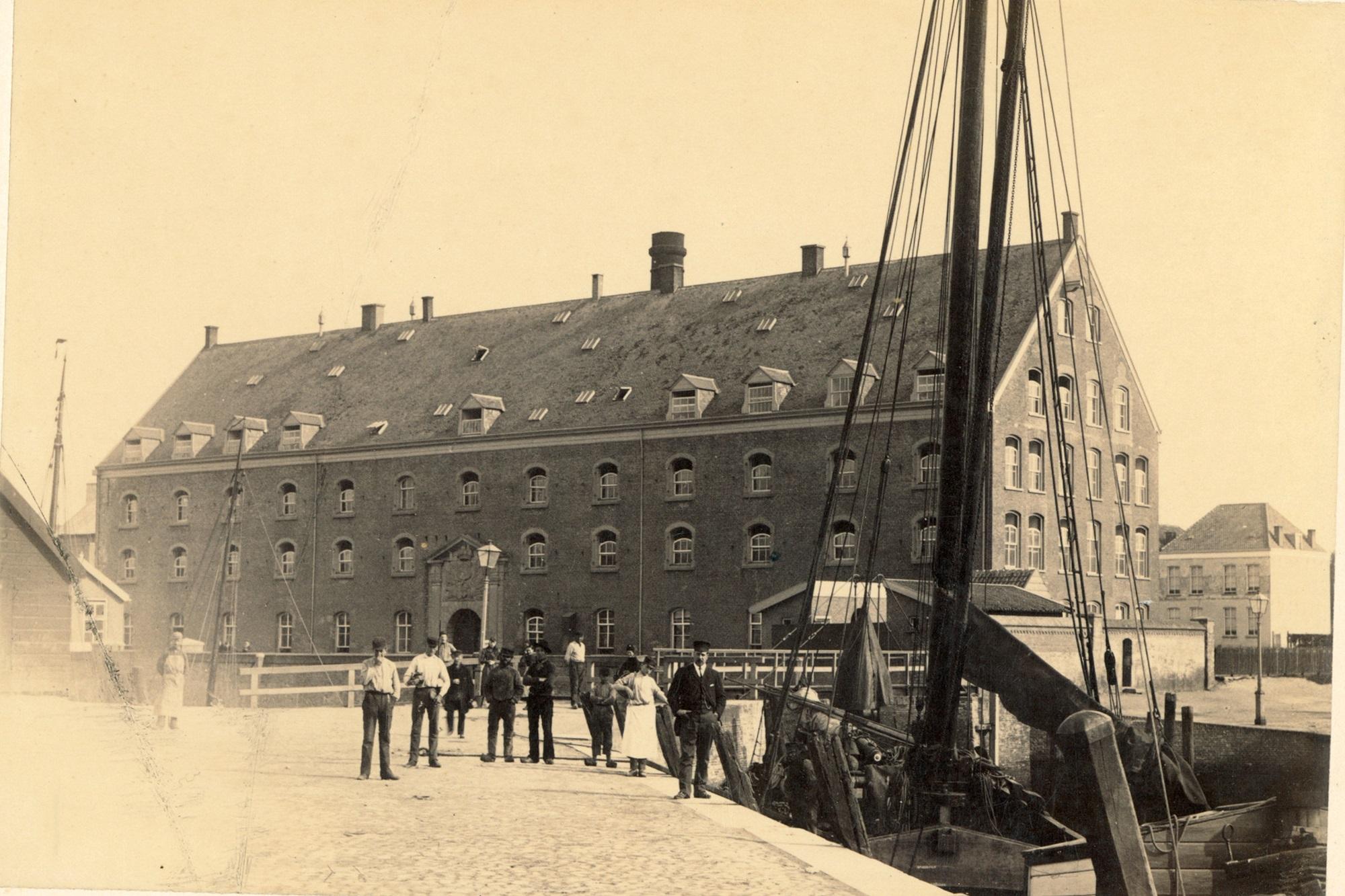 groot arsenaal boot schip haven